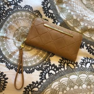 Steve Madden wallet with wristlet
